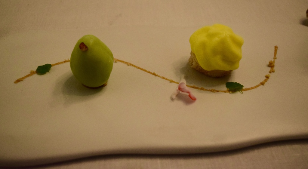 Green white chocolate shaped pear filled with green pineapple and a nutmeg pain perdu topped with pineapple