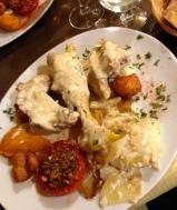 Chicken in a creamy sauce (fricassé de poulet fermier à la crème)
