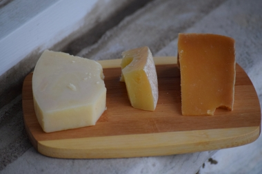 10-cheese-guys-cheeses-from-sardinia-pecorino-romano-viney-sheep-and-saw-mill-river-pecorino