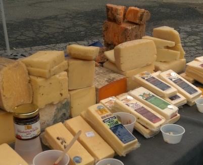 2-cheeses-seen-at-irvington